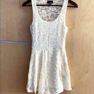 Aritzia Dilemma White Lace Dress Sz XXS